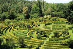 Widok na Zaczarowany Ogród z tarasu widokowego w Arboretum bramy Morawskiej