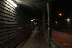 Wiadukt na ulicy Piaskowej wieczorem